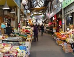Dạo quanh những khu chợ truyền thống nổi tiếng nhất ở Seoul